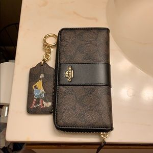 Cute Coach Wallet & Key Chain as A Set.